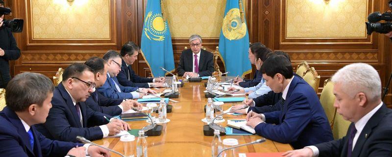 Новости - Президент провёл совещание со своей администрацией и помощниками