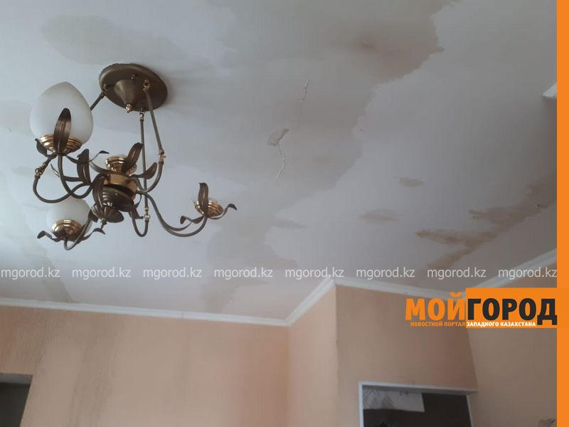 В Актобе квартиры затопило горячей водой
