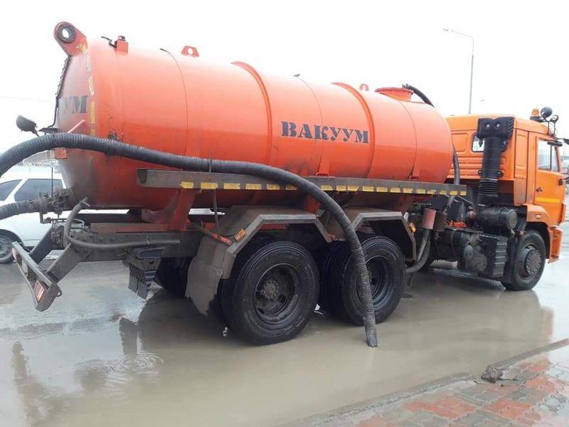 Новости Атырау - 30 тысяч кубометров воды было откачано в Атырау после ливня