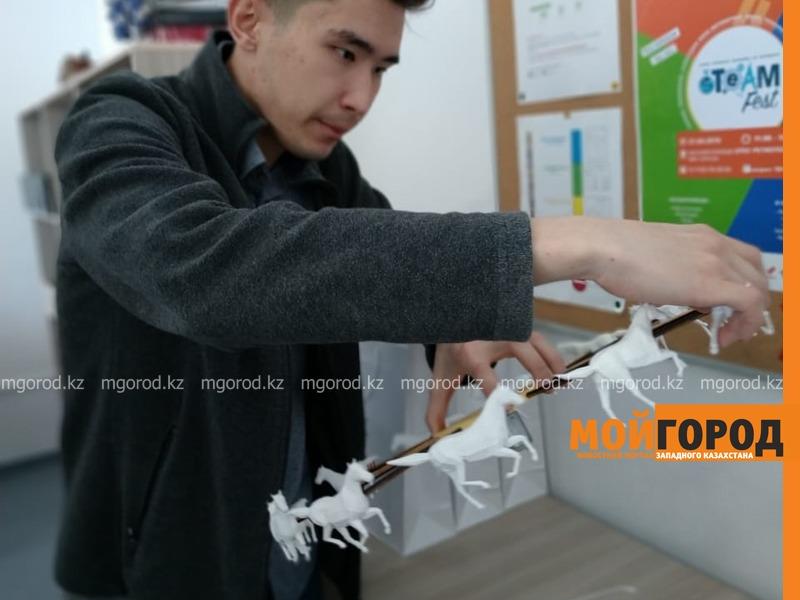 Новости Атырау - Устройство для определения цвета и звука для людей с нарушениями изобрели юные атыраусцы