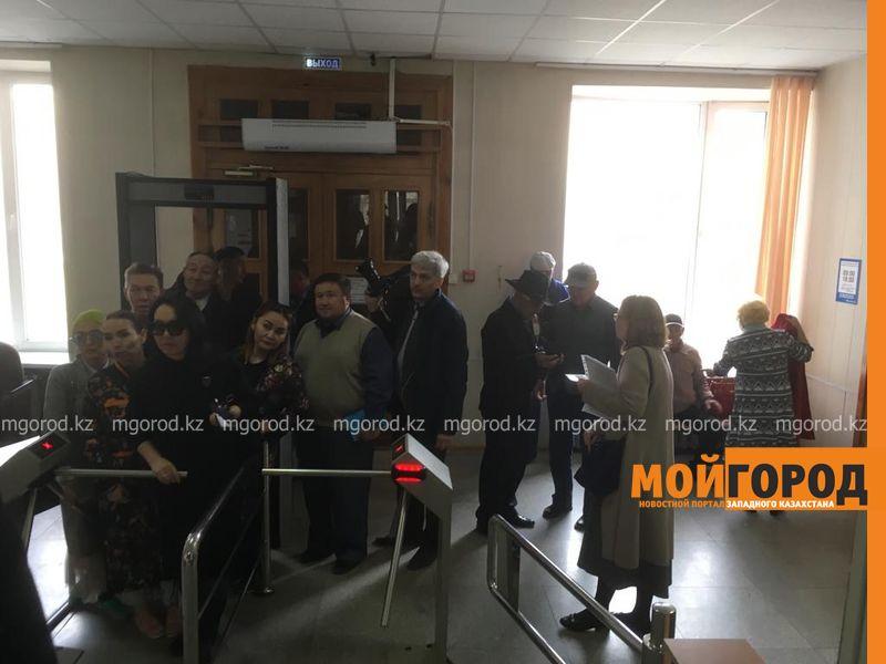 Новости Актобе - Чтобы похоронить сына, пришлось взять три кредита - рабочий завода в Актобе