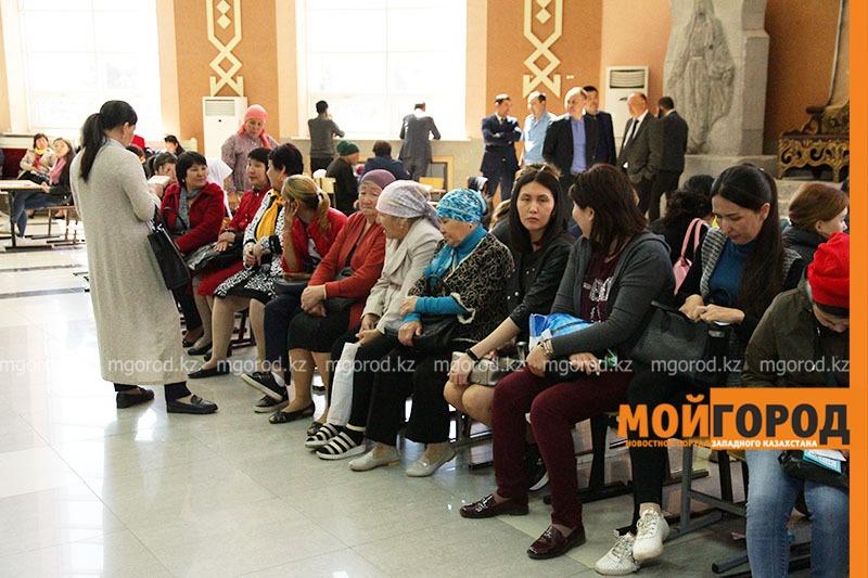 """137 уральцев смогли задать свои вопросы на акции """"Открытый акимат"""""""