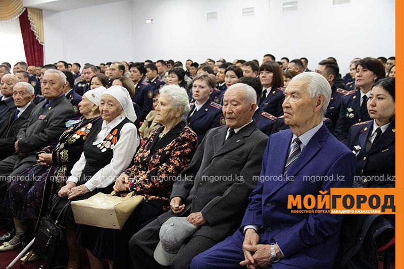 Новости Уральск - Более 200 сотрудников полиции были поощрены в канун Дня защитника Отечества