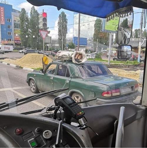 Новости Актау - Труп на крыше «легковушки» везли по городу