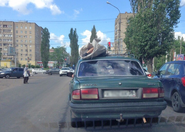 Труп на крыше «легковушки» везли по городу