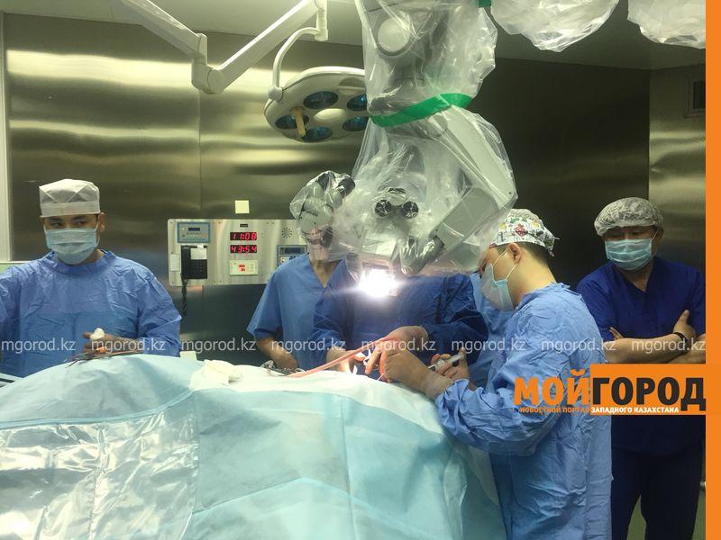 Новости Атырау - Парализованную девушку из Атырау поставили на ноги врачи Центра нейрохирургии (фото)