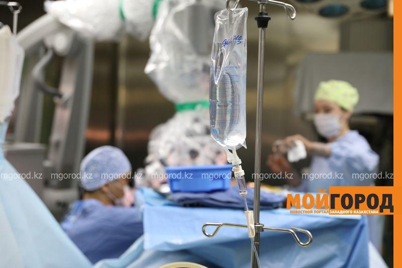 Парализованную девушку из Атырау поставили на ноги врачи Центра нейрохирургии (фото)