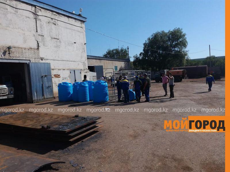 Новости Уральск - Подвоз воды организовали в микрорайоны Уральска, которые остались без водоснабжения после аварии на КНС