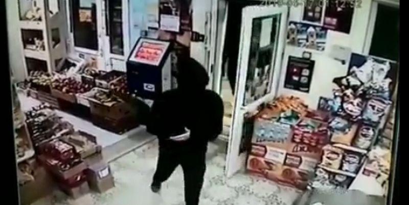 Вооруженное ограбление в Жанаозене попало на видео (видео)