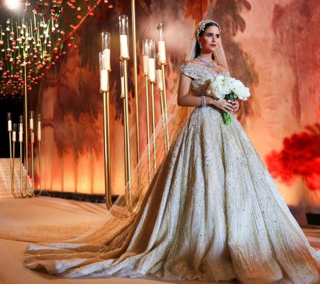 Новости Актау - Хештег «всем на зависть» - невеста год ждала свое свадебное платье