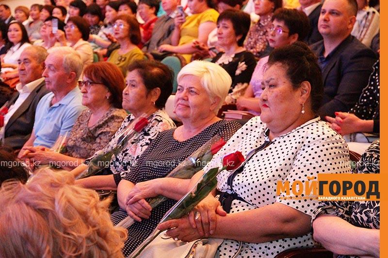 Новости Уральск - Новый аким ЗКО поздравил медработников с профессиональным праздником