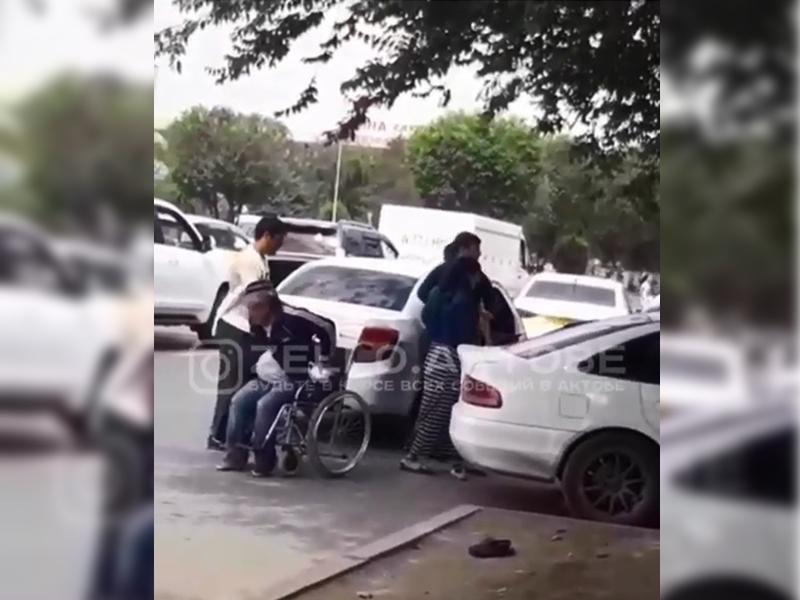 """Новости Актобе - В Актобе пытались """"похитить инвалида"""" (видео)"""