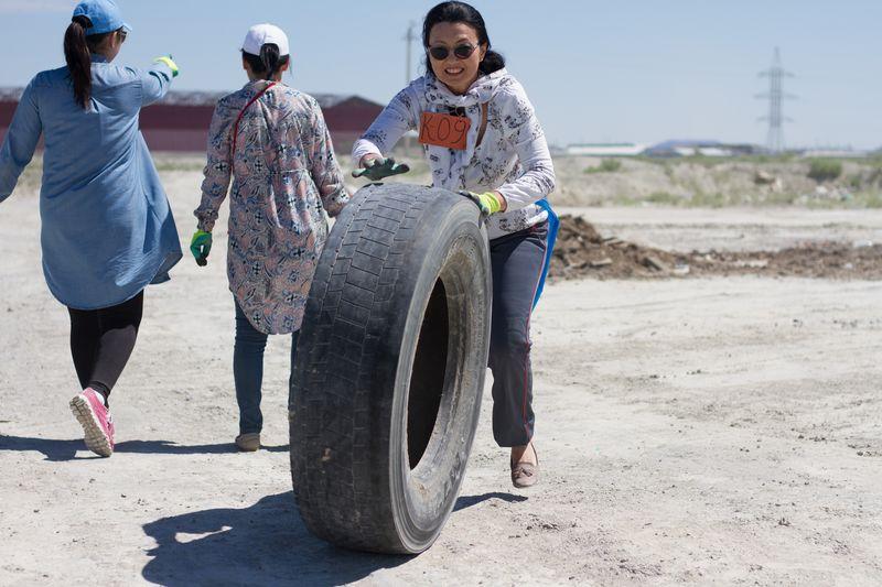 Новости Атырау - Три тонны мусора собрали экоактивисты в Атырау