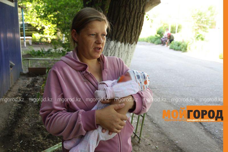 Уральцев возмутила женщина с новорожденным в компании алкоголиков (фото)