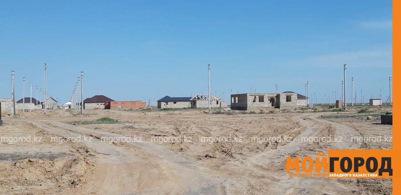 Новости Атырау - Из-за отсутствия коммуникаций жители микрорайона Атырау не могут заселиться в дома