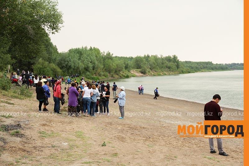 Гости из Оренбурга приняли участие в субботнике в ЗКО