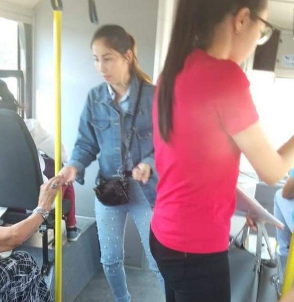 Новости Атырау - Жители Атырау возмущены постоянными проблемами с валидаторами в автобусах