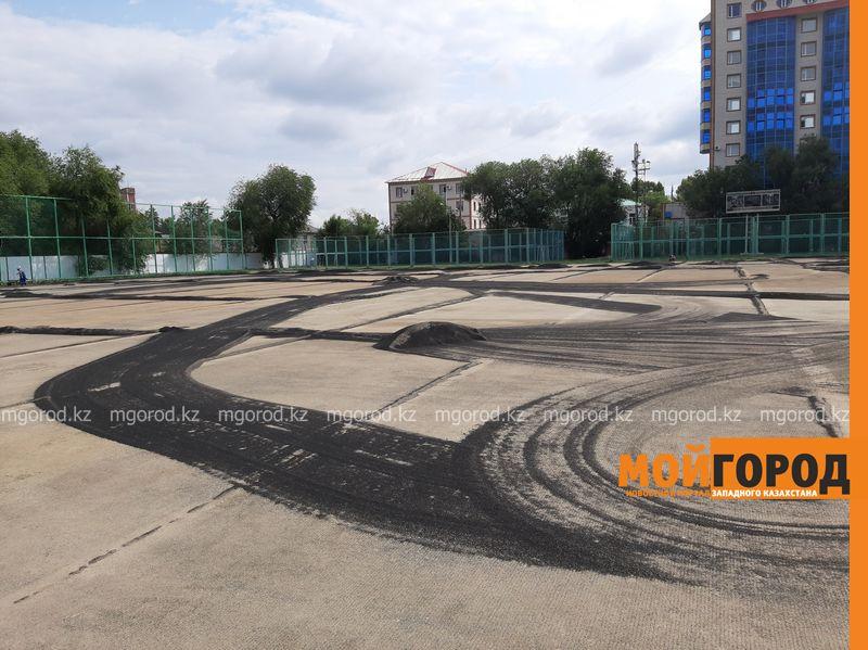 Новости Уральск - В Уральске заменят устаревший газон на стадионе «Акжайык»
