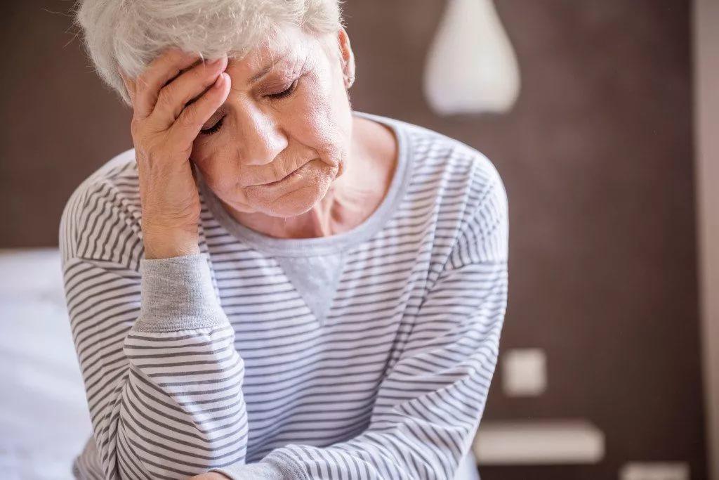 Натираем или оставляем на ночь: У моей бабушки было повышенное давление, и она тяжело переносила жару