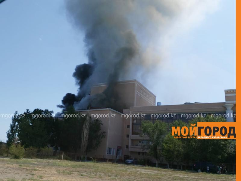 Новости Атырау - 88 человек тушили пожар в драмтеатре в Атырау