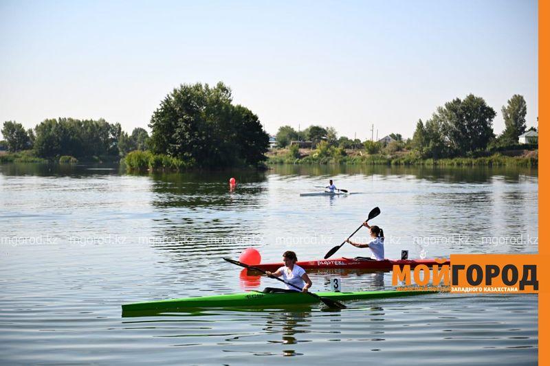 Новости Актобе - Аким Актюбинской области поздравил спортсменов с профессиональным праздником