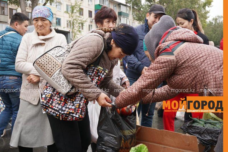 Более 32 тонн овощей и фруктов было продано на сельхозярмарке в Уральске