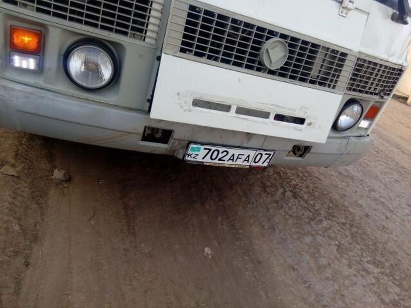 Водителя автобуса уволили после конфликта с пассажирами в Уральске (фото, видео)