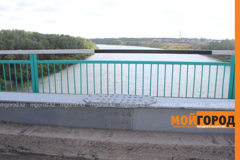 Беременная женщина пыталась спрыгнуть с моста в Уральске