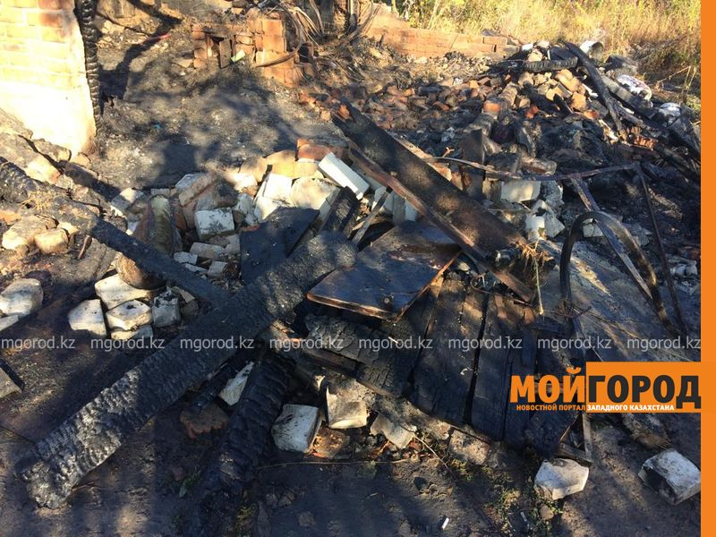 Новости Уральск - Ребёнка никто никогда не видел - соседи о пожаре, в котором сгорели три человека