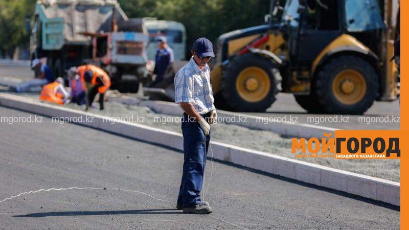 Более ста километров дорог заасфальтируют в пригороде Атырау