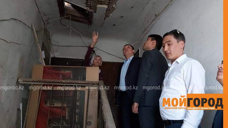 В Атырау обрушилась стена аварийного дома