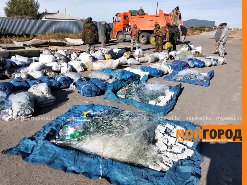 65 самодельных лодок уничтожили инспекторы в Атырау