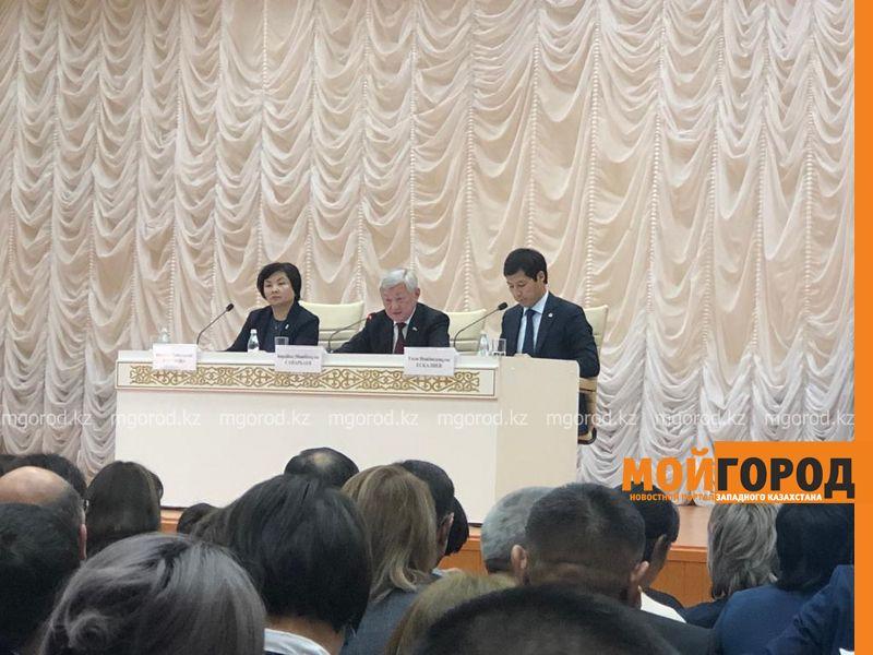 Бердибек Сапарбаев раскритиковал работу колледжей