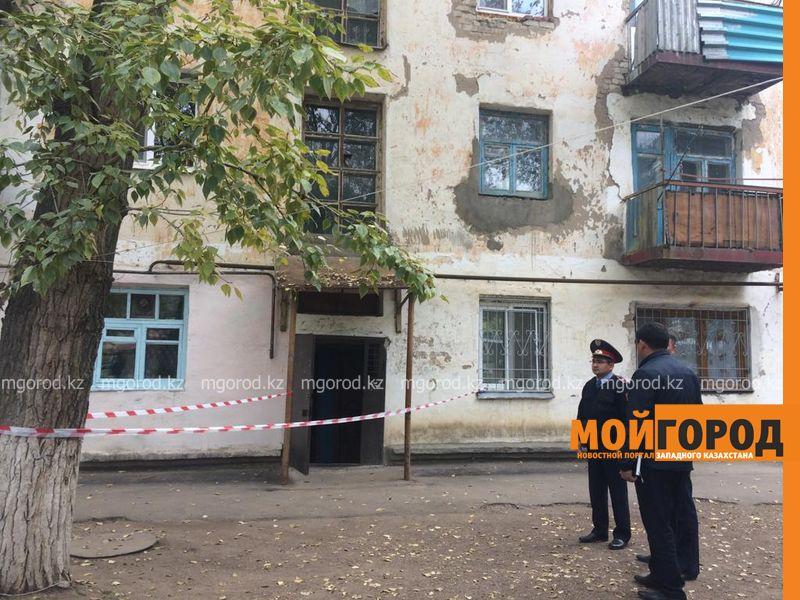 Тела супружеской пары обнаружили в квартире в Уральске