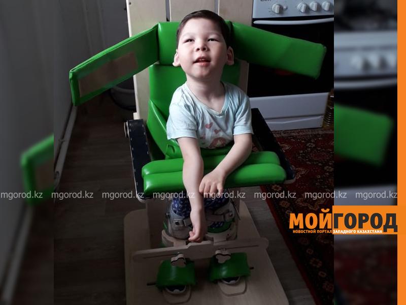 Мальчику из Уральска нужна пересадка стволовых клеток