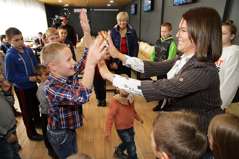 Новости Уральск - База отдыха «Алаш» провела благотворительный обед для детей и пожилых людей
