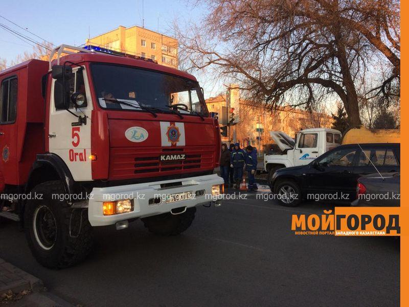 В Уральске горели две грузовые машины