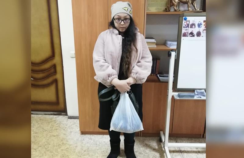 Новости Уральск - 25-летняя алматинка обвиняется в краже кошельков у уральцев на рынке (фото, видео)