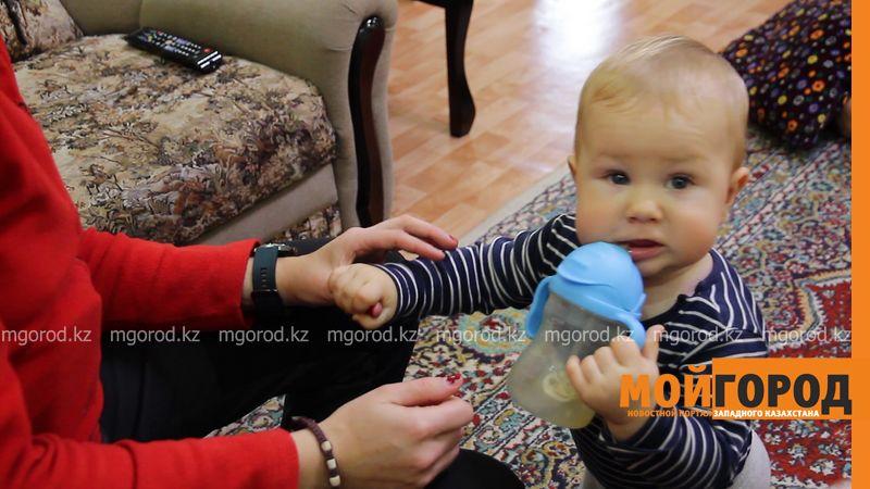 Новости Уральск - Польские туристы в Уральске: во время путешествия у нас родился сын (фото)