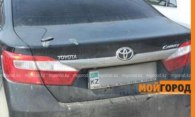 """Toyota Camry угнали """"покупатели"""" в Атырау"""