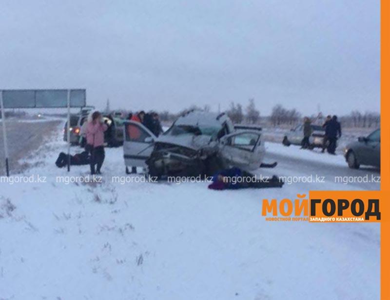 Новости Уральск - Две женщины погибли в аварии на трассе в ЗКО
