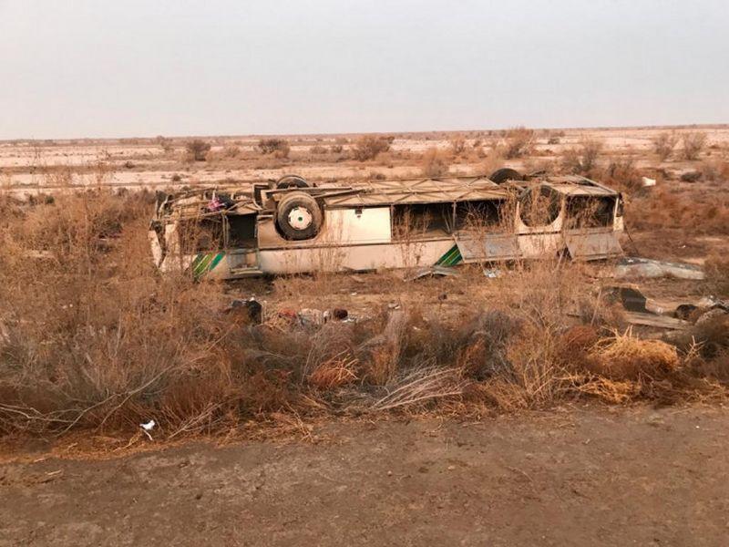 В Кызылординской области перевернулся автобус: погибли семь человек
