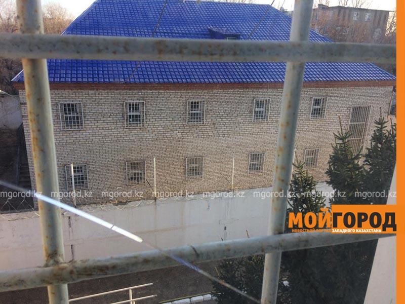 Владельца столовой арестовали за нарушение режима ЧП в ЗКО Пьяных водителей в Уральске будут водворять в ИВС