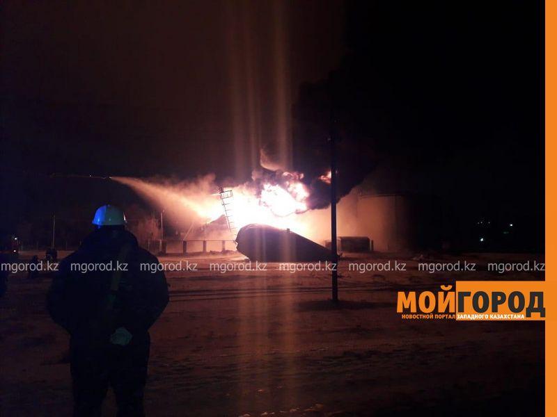 Стала известна причина пожара на нефтегазовом комплексе в Актюбинской области
