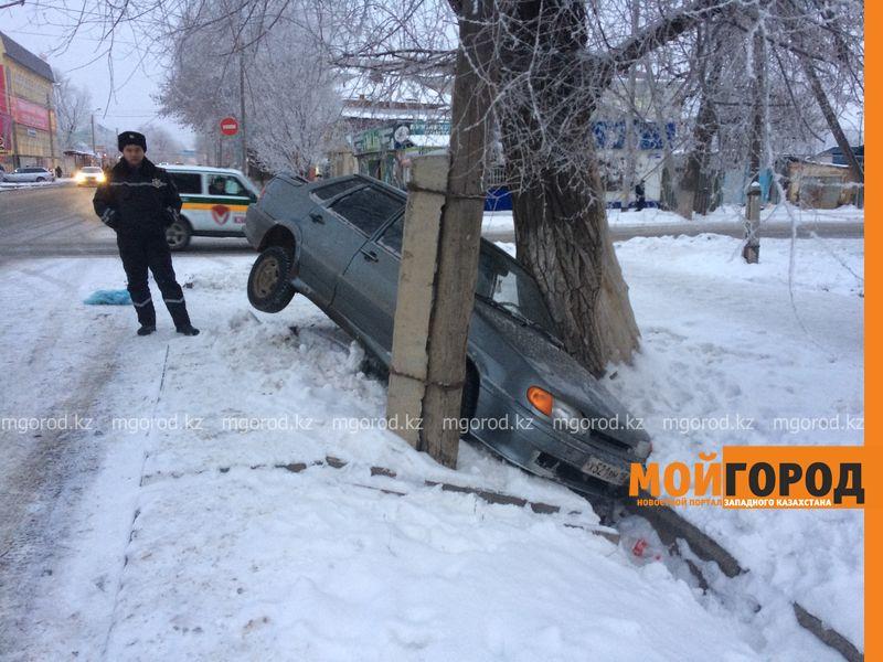 20 суток ареста грозит пьяному уральцу, слетевшему в арык на авто