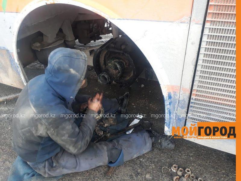53 гражданина Узбекистана застряли в мороз на трассе в Актюбинской области