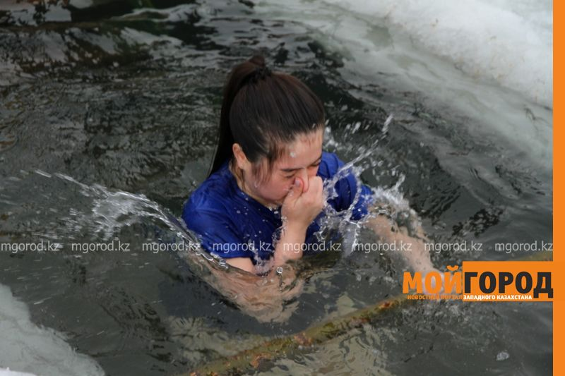 В Уральске определили места для купания на Крещение В ледяной купели: уральцы отмечают Крещение (фото)