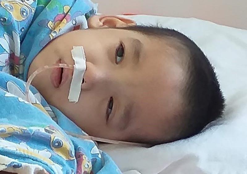 Кислородный аппарат может спасти жизнь моему сыну - мама больного ребенка из Уральска