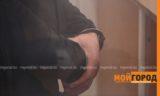 Полицейский и его подельники вымогали деньги у иностранцев в Атырау