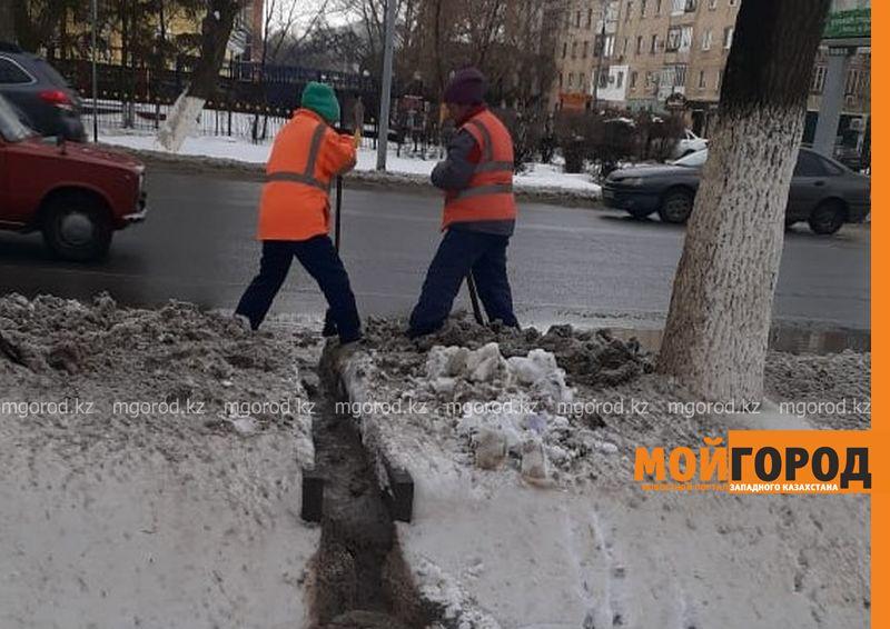 60 тысяч кубометров снега вывезено из Уральска